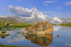 A picturesque view of the Matterhorn