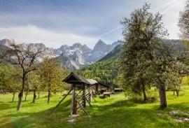 Slovenia Hayracks