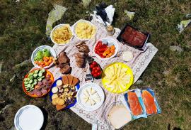 Picnic lunches on the Tour du Mont Blanc | Photo by Jen Stretton