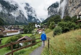 Hiking through Lauterbrunnen