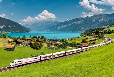 Train by Lake Brienz near the Jungfrau region