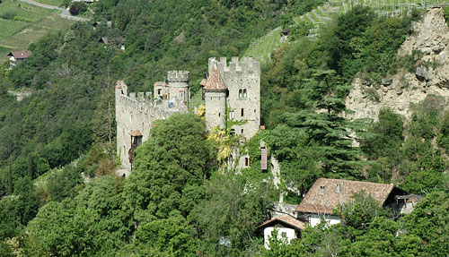 Castello Fontana Tirolo
