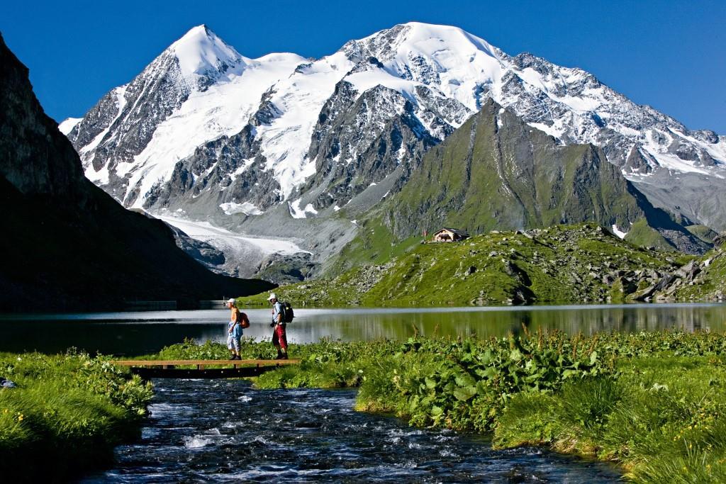 Hiking Lac de Louvie